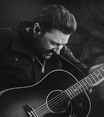 Chris Young TOWN AIN'T BIG ENOUGH WORLD TOUR 2020 WITH SPECIAL GUEST PAYTON SMITH Hotel Packages - Days Inn Niagara Falls Lundy's Lane
